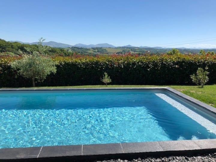 Maison  loft 4* avec jacuzzi et piscine