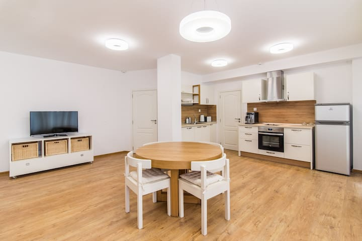B and B Trust - Spacious Two-Bedroom Apt - Ruse - Apartment