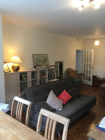 Regency Central Hove LG Flat with private Garage
