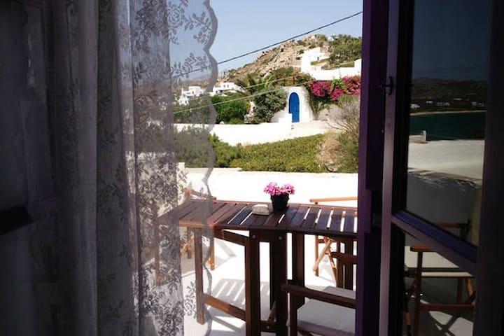 Orkos Seaside Studio/ Sleeps 2+1 - Naxos - Rumah