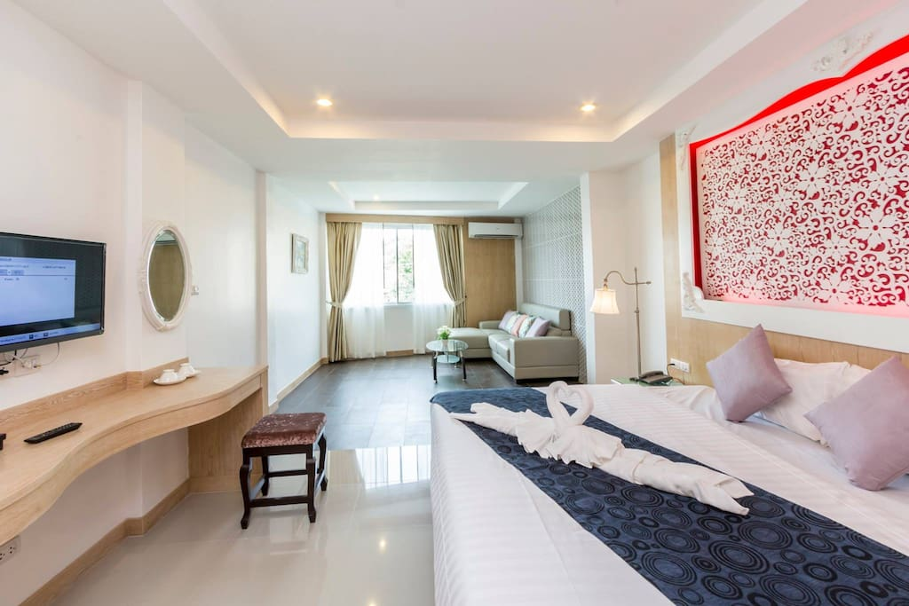 可容3人入住,可以安排一张2米大床和一张1米2小床
