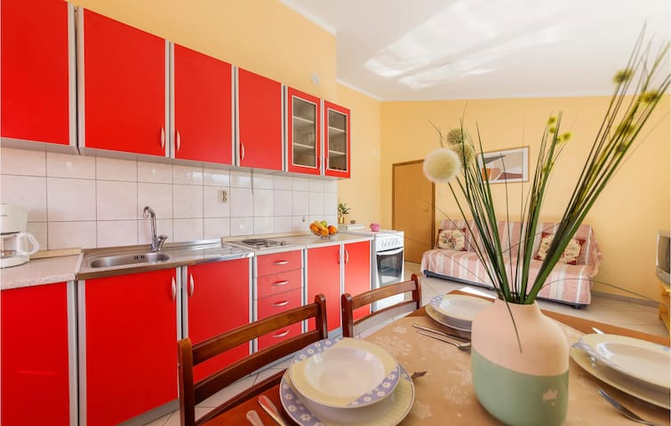 Holiday apartment with 2 bedrooms on 63m² in Pula