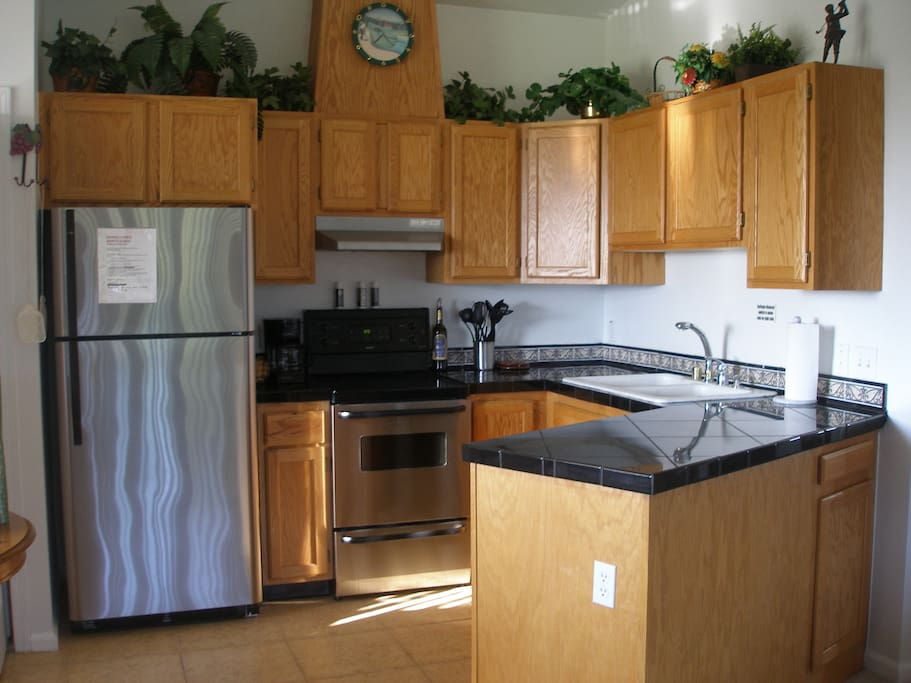 Updated New Kitchen W/ granite counter tops!