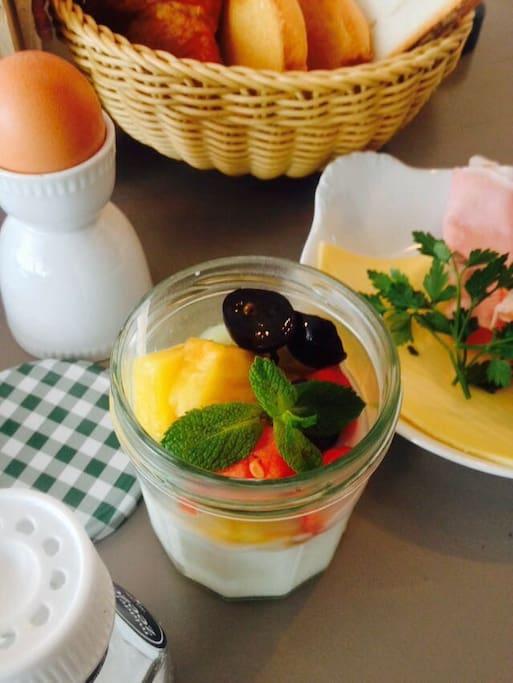 Order the Røst Breakfast Box; 15€ pp