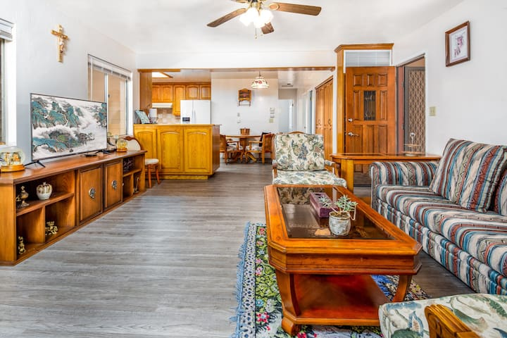 Cozy craftsman home,  near Old Town  Redlands