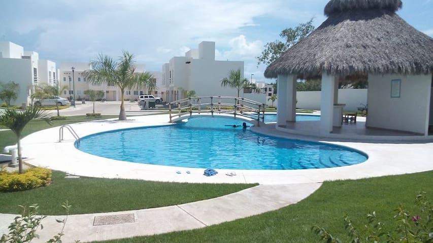 DEPA EN COTO CON ALBERCA EXCELENTES CONDICIONES! - Bahía de Banderas - Apartment