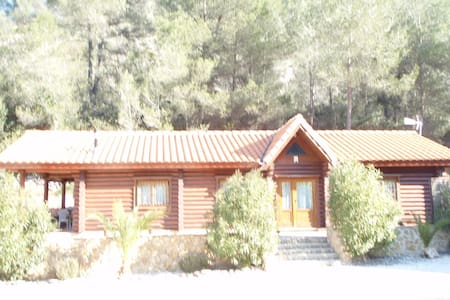 Luxury Self Catering Log Cabins - Simat de la Valldigna - กระท่อม