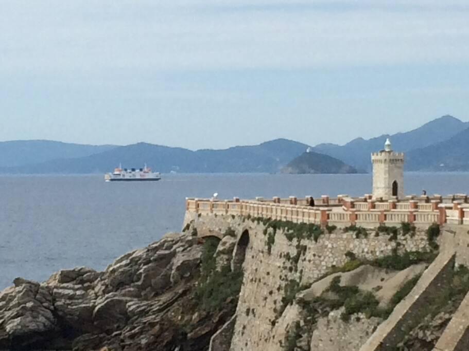Fährschiff nach Insel Elba ab Piombino