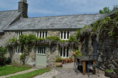 Kelly Mill Cottage, nr. Tavistock - Kelly - House