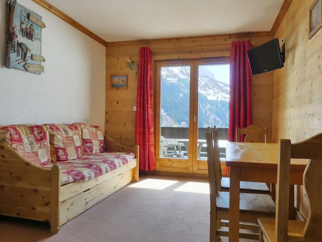 PRO012 - IDEALLY SITUATED, SKI-IN AND SKI-OUT - MERIBEL  MOTTARET - Apartment