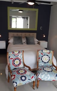 Bunkers Self Catering Studio - East London - Guesthouse