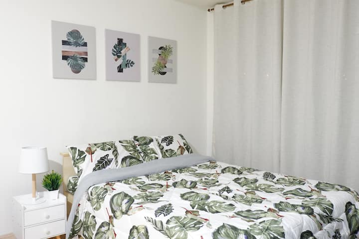 A spacious studio in Mandaluyong near Shangri-La