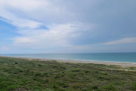 GORGEOUS Views - Ultimate 3 bed/2 bath Beach Condo