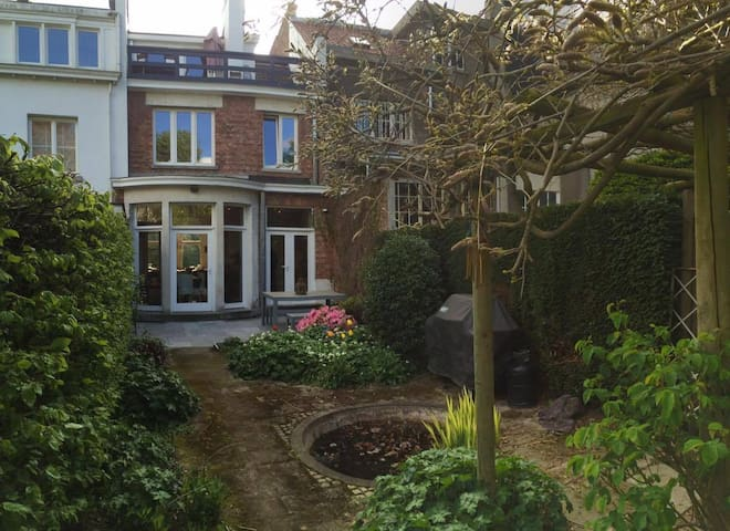 charming house in Brussels - Uccle - Casa