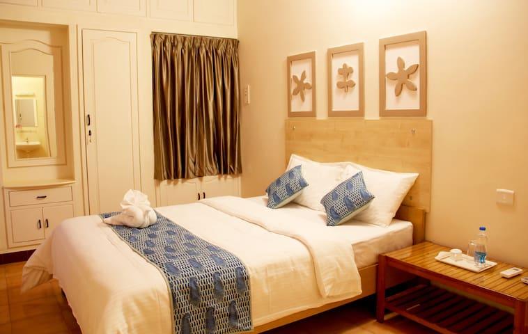 Coral Shelters - Deluxe AC Room - Madurai - Villa