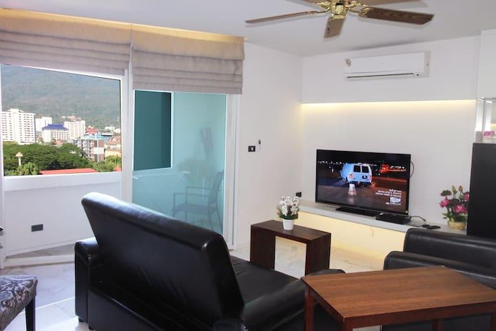 Nimmanhaemin road, top location, 2BR views ★★★★★ - Chiang Mai - Hotellipalvelut tarjoava huoneisto