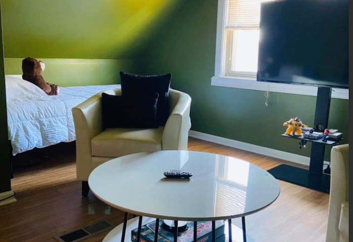 One bedroom near Midway Airport - Green