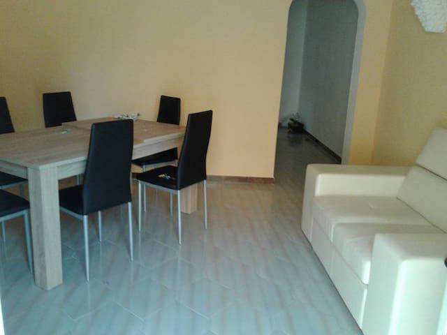 Appartamento san pietro in bevagna 250m dal mare - San Pietro In Bevagna - Casa