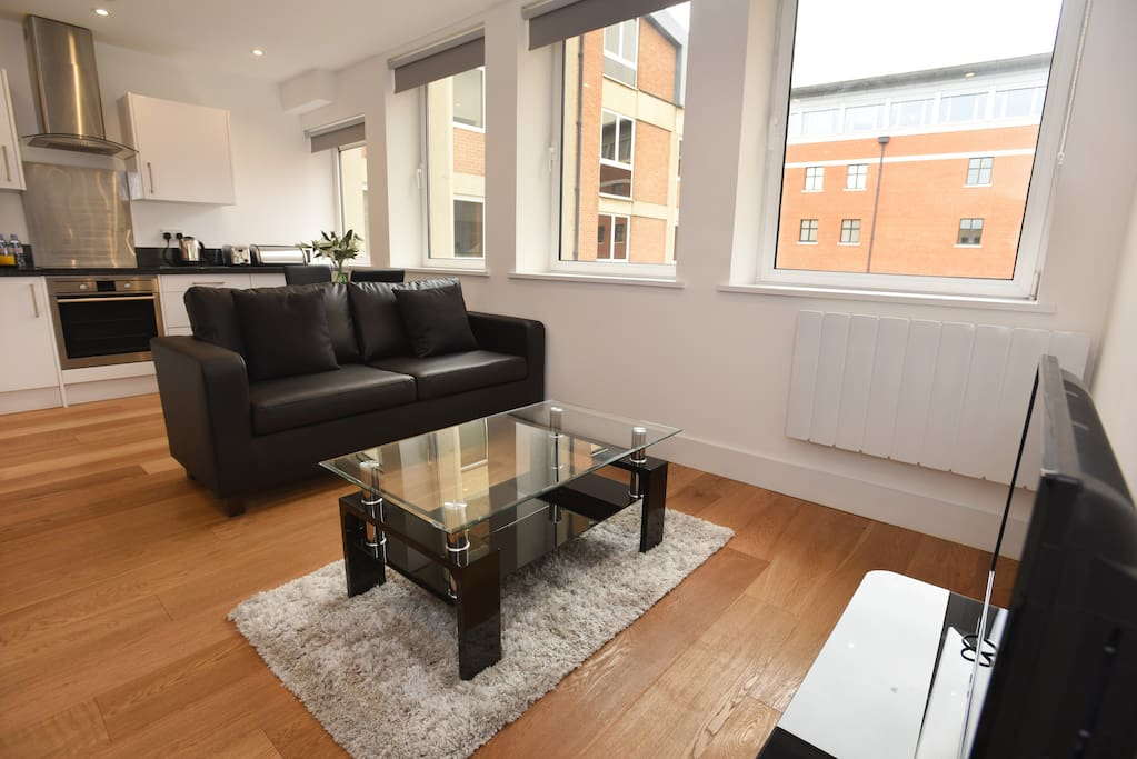 Stunning Central Reading Serviced Apartment - SH1