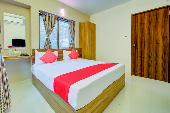 Private room just 5 mins aways from Pune Airport