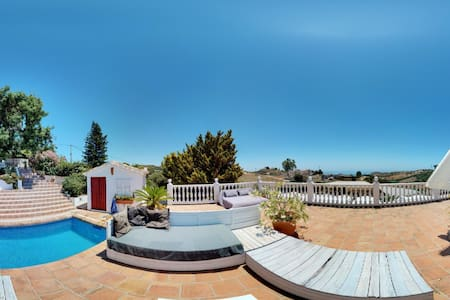 ROOM IN FINCA WITH POOL & SEA VIEWS FOR DOG LOVERS