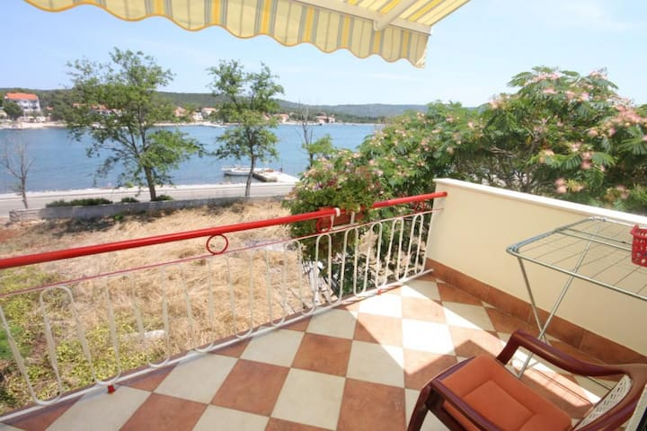 Two bedroom apartment near beach Veli Rat, Dugi otok (A-437-b)