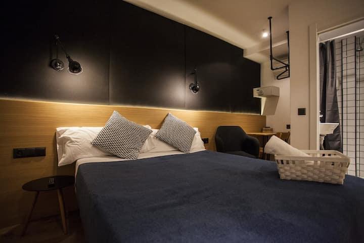 Hostal CC Malasaña - Double Stándar. Salle de bain privée - Non remboursable