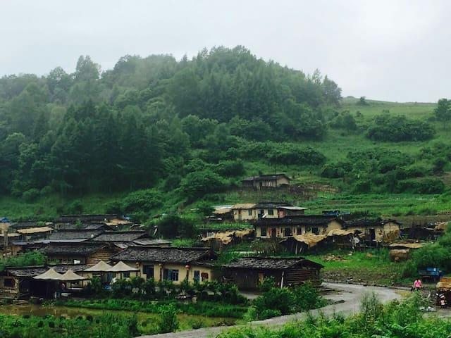 木屋火炕住宿