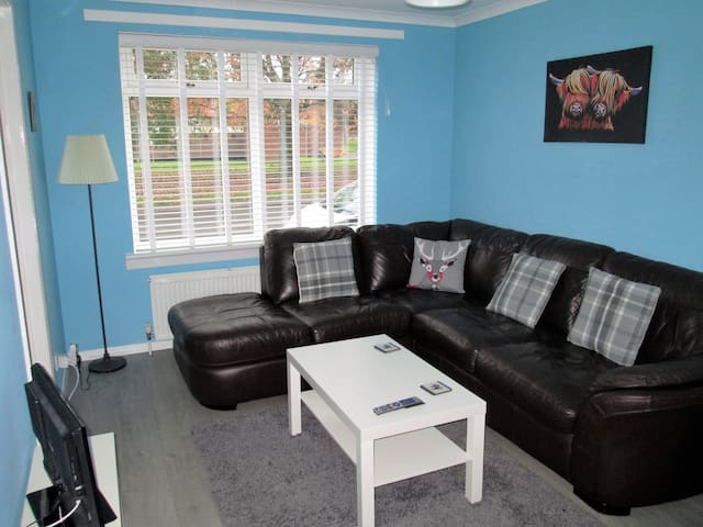 LochLomond Apartment-Ground Level/Private Entrance