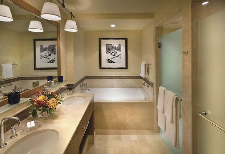 RITZ CARLTON-LAKE TAHOE 3 BEDROOM-THE RESIDENCES!