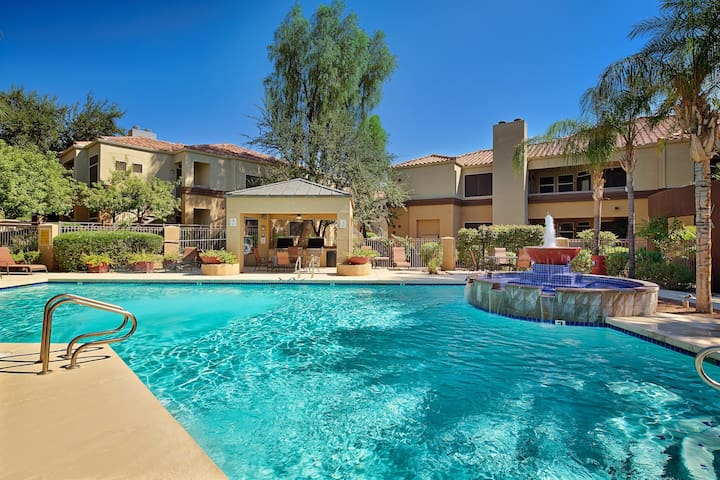 Relaxing Heated Pool, Fitness Center, Prime Area
