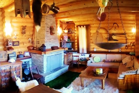 Beautiful log cabin chalet. - Φιλιππαίοι - Cabaña