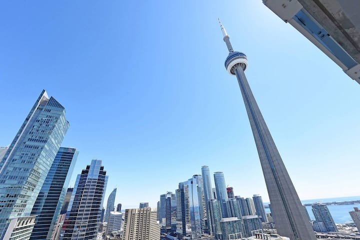 Amazing Views Across CNTower,Union,TIFF/MTCC