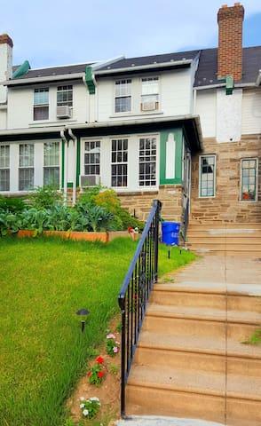 Mellow and Spacious Row -Whole Home - Filadélfia - Casa