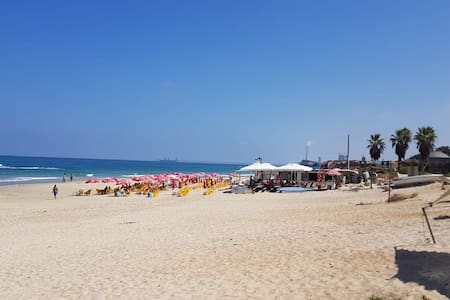 Luxurious caravan in beit yanai beach