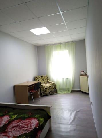Комната с двуспальной и кресло кровать 3.