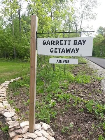 Welcome to Garrett Bay Getaway!