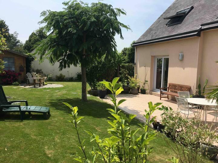 Breteil-jolie maison avec jardin quartier calme