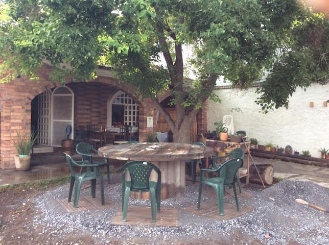 "Hostal  en ""Casa Verde""!!! - Saltillo - Bed & Breakfast"