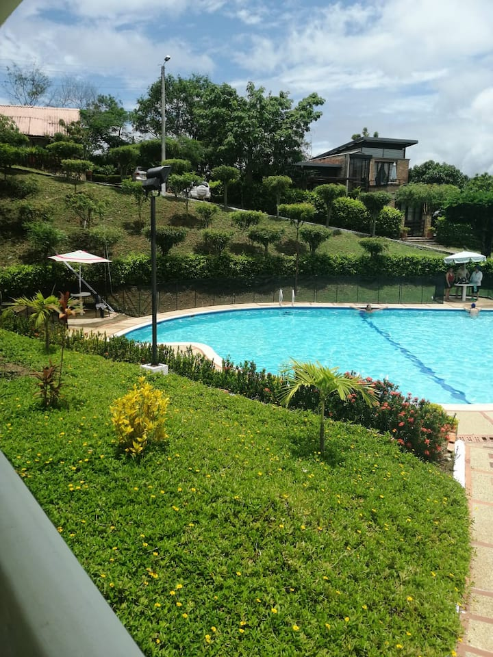 Casa en Condominio Campestre en Tocaima
