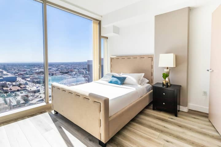Luxury Single Private Bedroom in shared 3BR - San Diego!