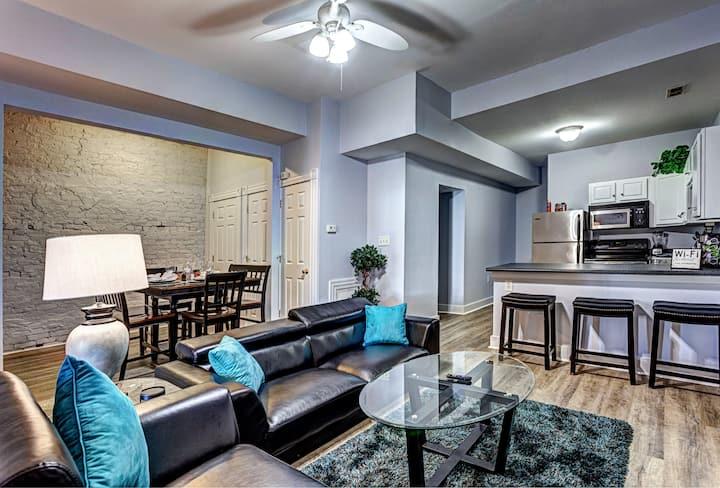 A+ Location / Both floors / 5 BR duplex apartment