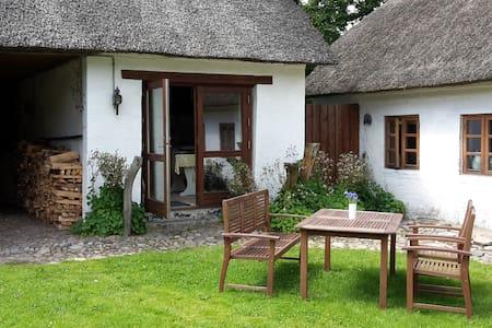 Romantisk lejlighed med plads til 4 - Nibe - Flat