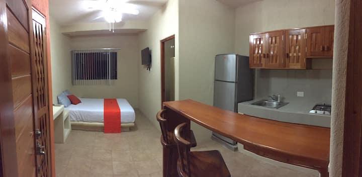 Casa Roselia: Yanet. En el corazón de Zihuatanejo