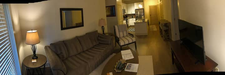Upgraded 2 Bdrm Apt home in Waverly shopping ctr