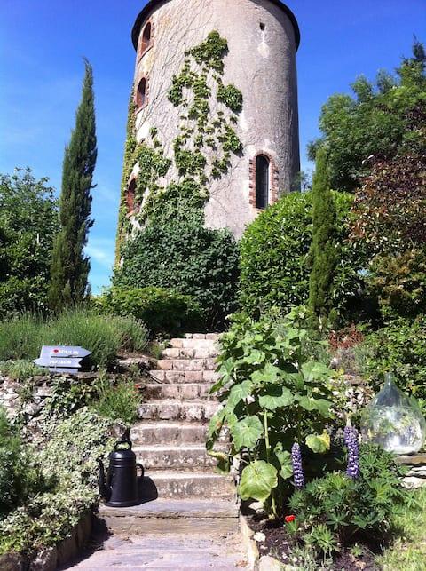 Moulin à vent rénové dans un esprit contemporain