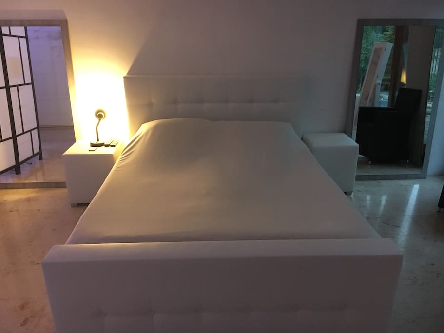 Queensize bed