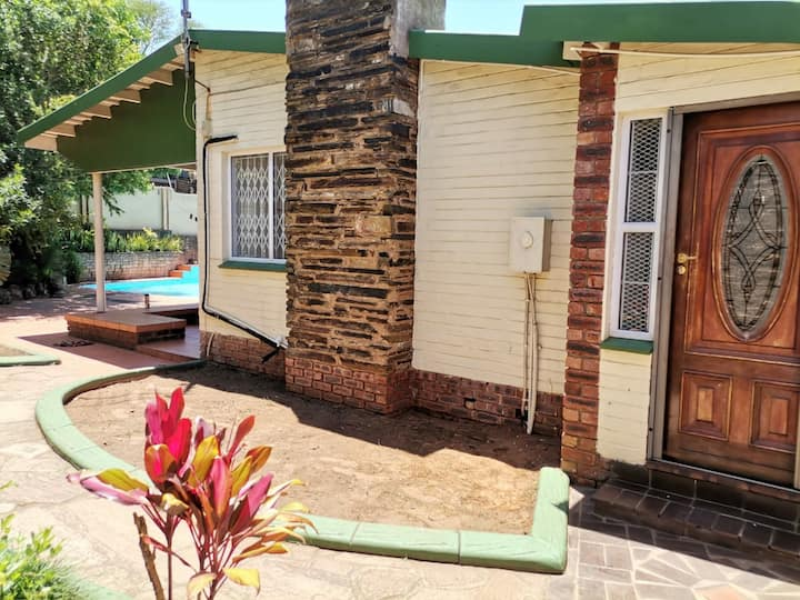 Comfortable & Conveniently located 8 Sleeper home