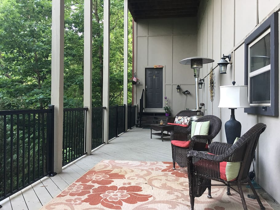 Relax on the private porch in the treetops