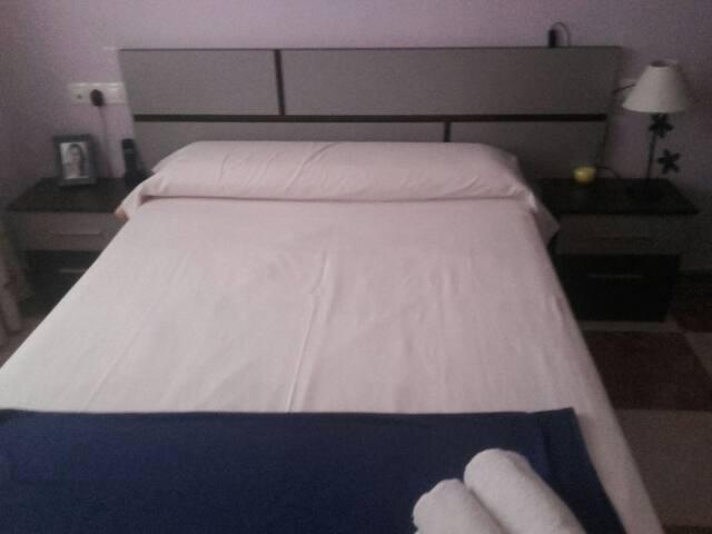Piso con dos habitaciones compartid - El Parador de las Hortichuelas - House